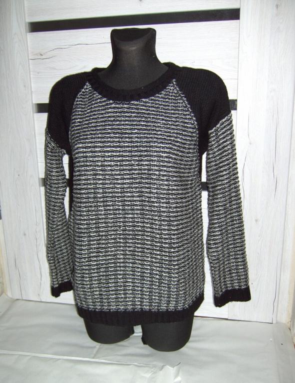 sweterek peacocks L XL czarno biały