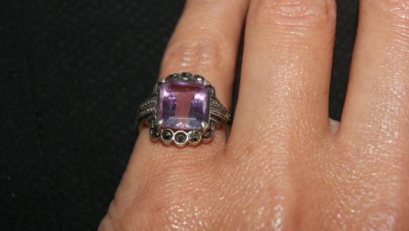 pierścionek z ametystem