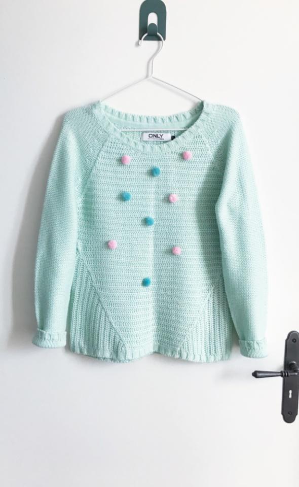 Pastelowy mietowy sweter w pomponiki s...