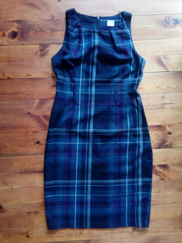 Ołówkowa sukienka w kratę M...