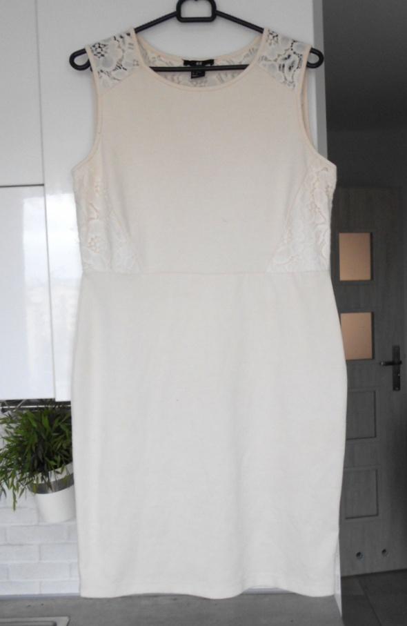 HM kremowa sukienka koronka bodycon...
