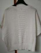 biała narzutka sweter sweterek bezrękawnik zaninany na guzik CA...