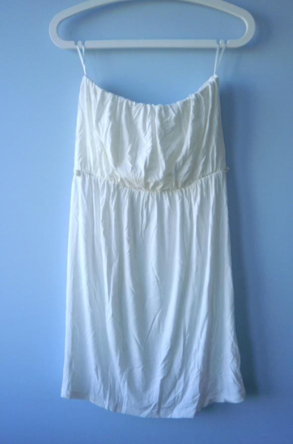 Suknie i sukienki Gina Tricot kremowa sukienka luźna cos minimal