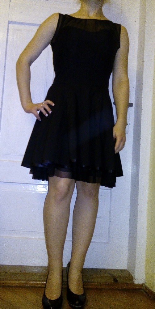 Suknie i sukienki Czarna sukienka rozkloszowana
