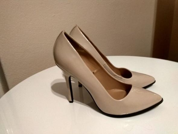 8fb6987e35278 buty damskie szpilki beżowe ecru nude rozmiar 38 Stradivarius