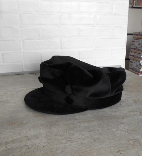Nakrycia głowy Zara nowa czapka aksamitna satynowa bosmanka czarna z daszkiem