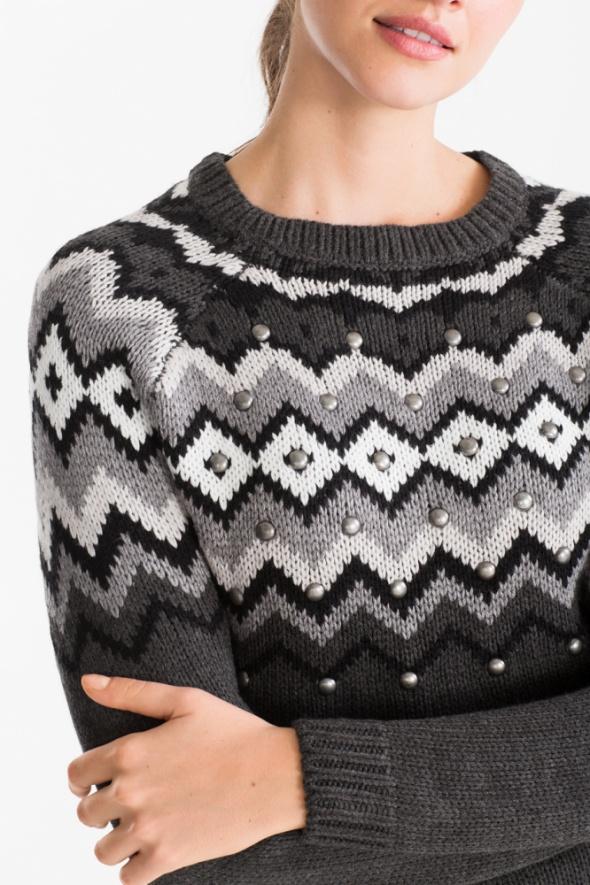 NOWY c&a sweter w norweskim stylu z nitami...