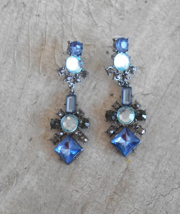 Parfois nowe kolczyki kryształki błękitne baby blue długie...