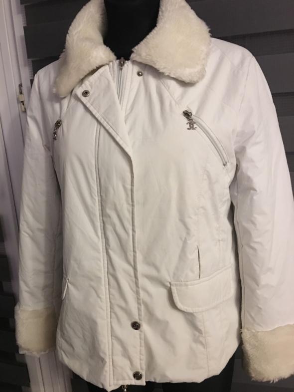 Chanel kurtka biała ocieplana S na M...