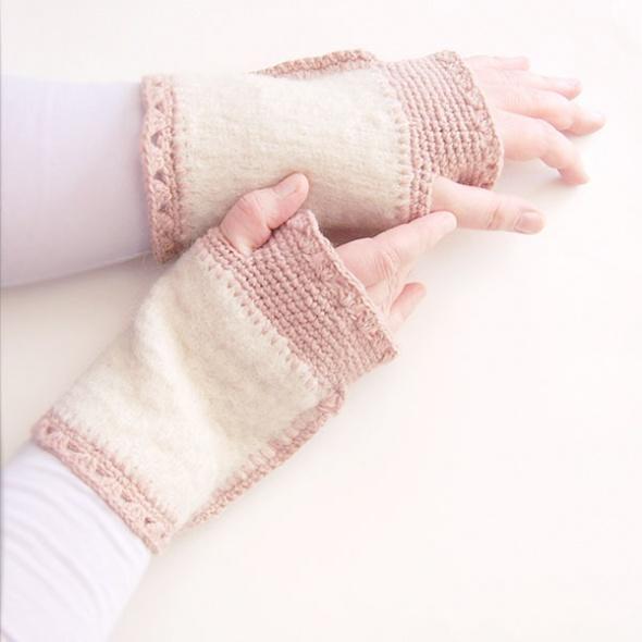 Kremowe mitenki z wełny ocieplacze na ręce