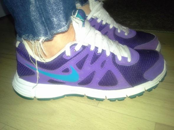 Nike Revolution 2 38 EU...
