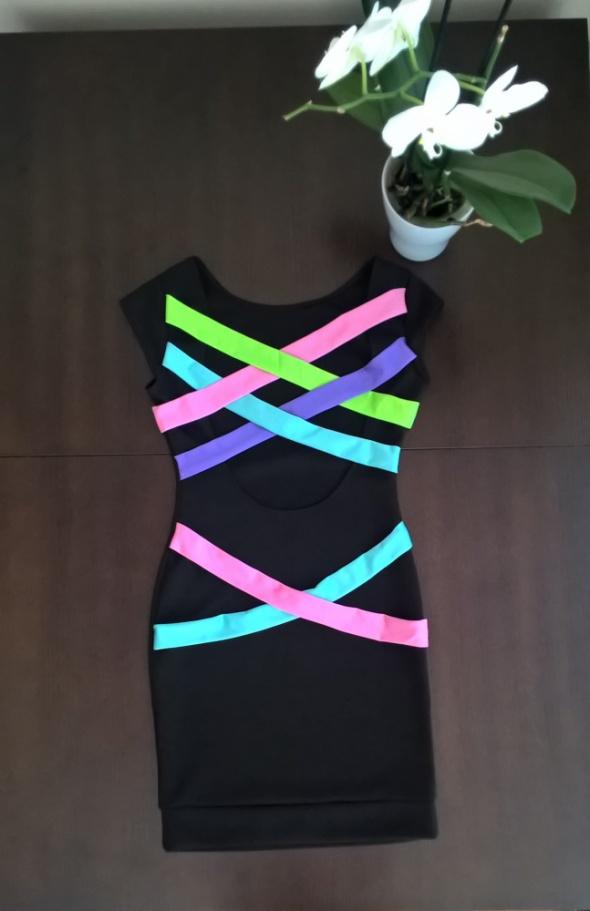 Suknie i sukienki Niezwykła mała czarna XS S