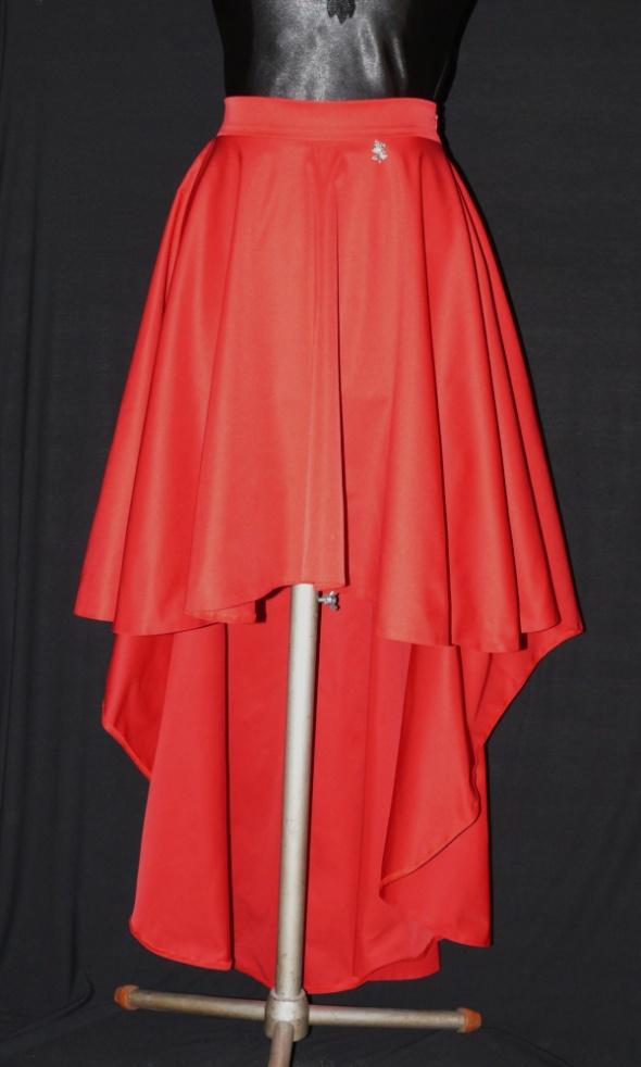 Asymetryczna spódnica z koła