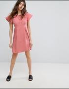 Różowa rozkloszowana sukienka Vero Moda 40...