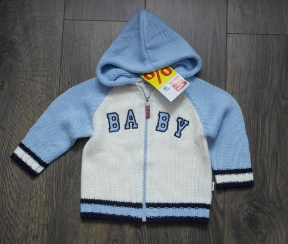 Nowy sweterek z kapturem 80