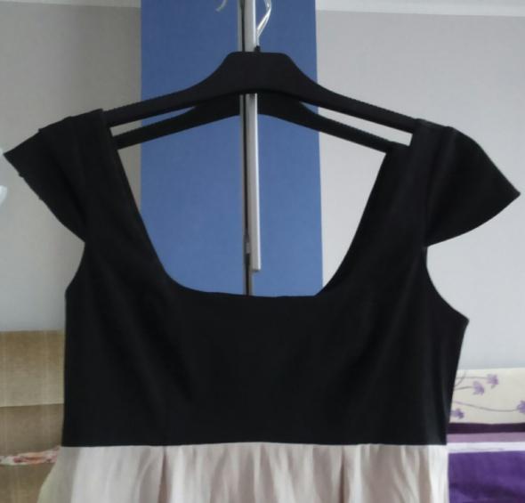 Elegancka prosta sukienka w rozmiarze S