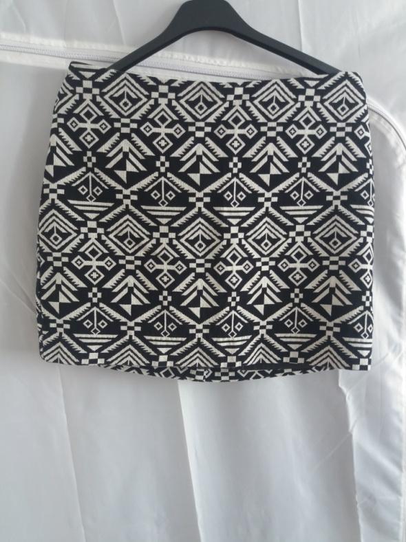 Spódniczka mini w azteckie wzory H&M...