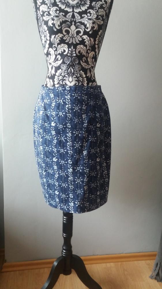 idealna niebieska spódniczka...