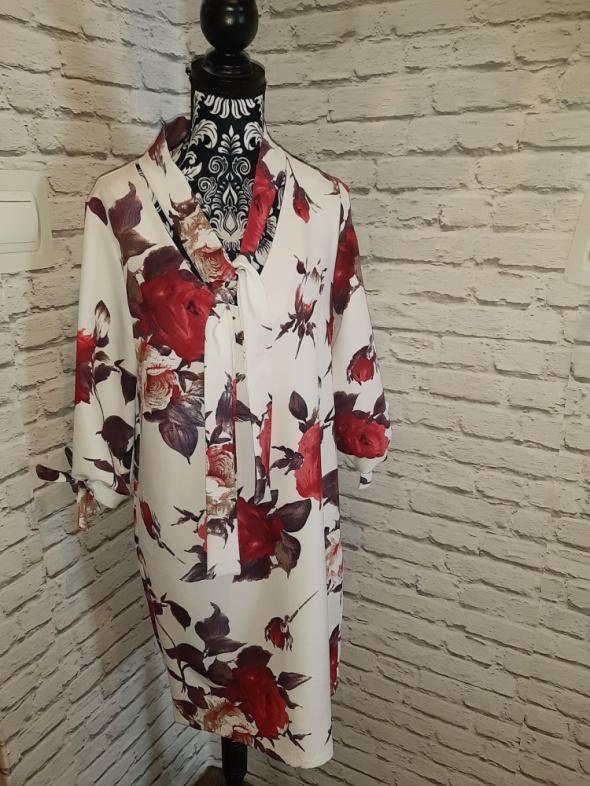 Nowa biała sukienka w kolorowe kwiaty