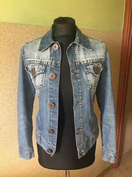 damska jeansowa kurtka
