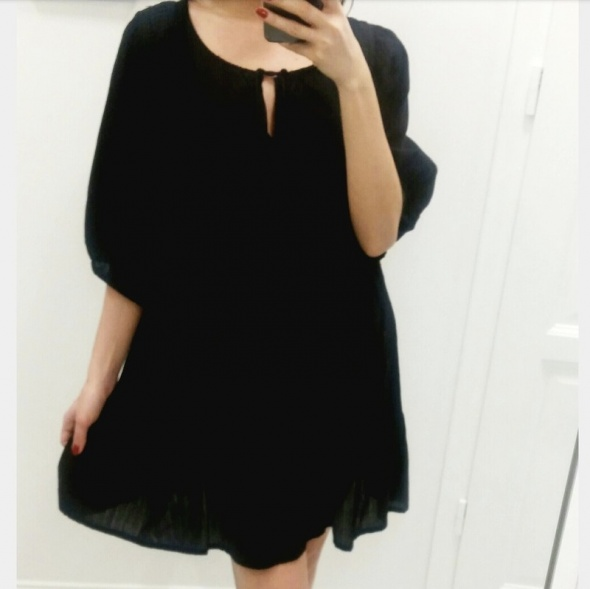 Suknie i sukienki Czarna sukienka Vero Moda must have