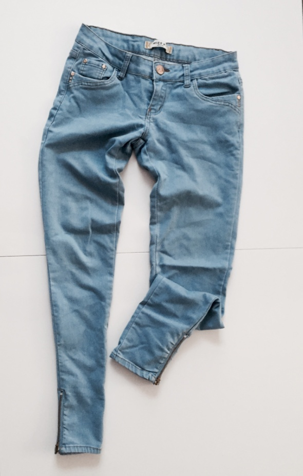 Spodnie jeans zamki