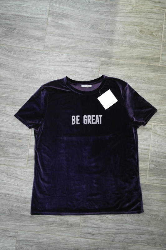 Koszulki ZARA welurowa fioletowa koszulka z napisem 40 L