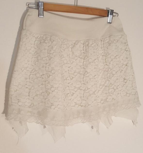Spódniczka dziewczęca koronka biała r 158 164