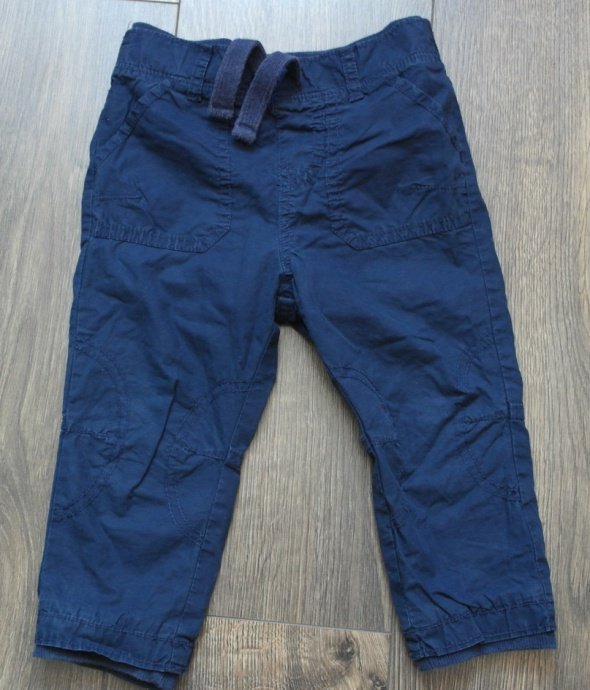 Spodnie i spodenki Granatowe spodenki 86