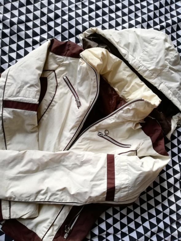 Kremowo brązowa kurtka z odpinaną kapuzą