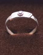 Pierścionek srebrny z cyrkonią Próba 925...