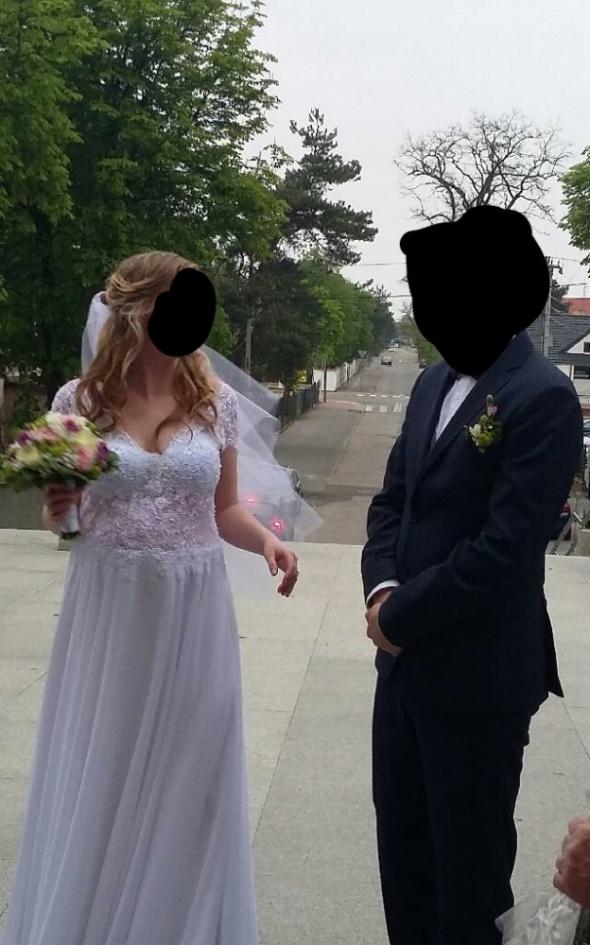 Suknia ślubna może być ciążowa...