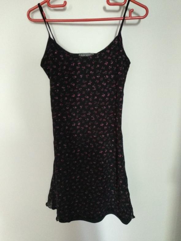 Suknie i sukienki Czarna sukienka w drobne kwiatuszki Plein Futur Paris
