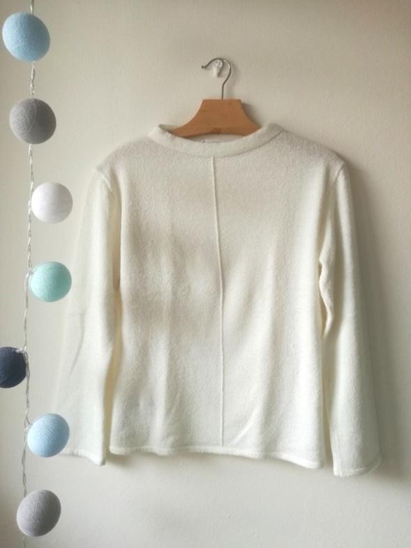 Sweterek MANGO biały Jackie O