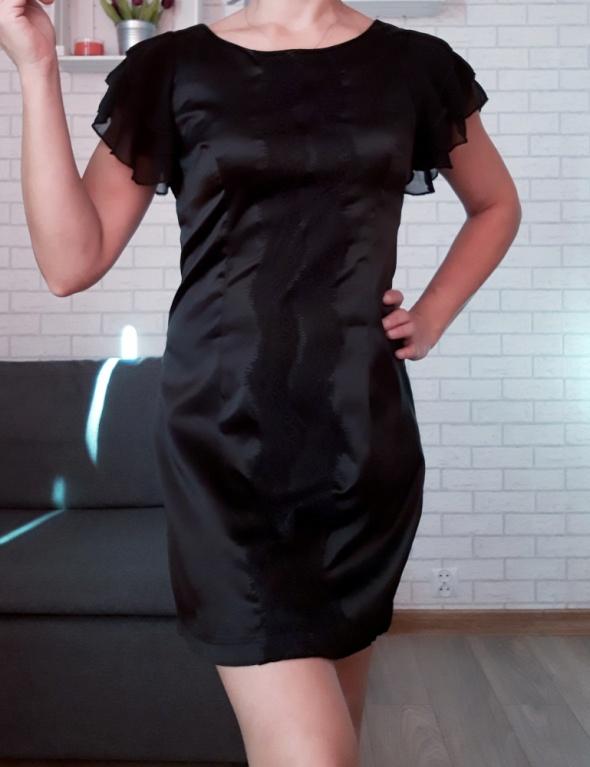 Ax Paris sukienka z szyfonowymi rękawami