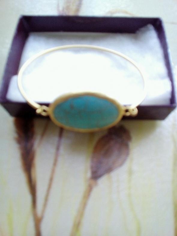 Złota z niebieskim kamienirm...