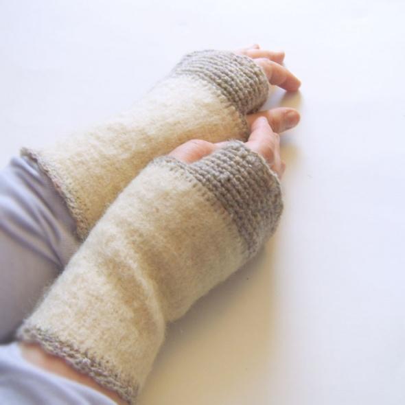 wełniane mitenki kremowe mitenki ocieplacze na dłonie