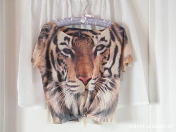Krótki top wild z tygrysem tygrys tiger Atmosphere