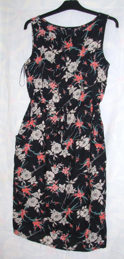 Sukienka z wiskozy FiF 38