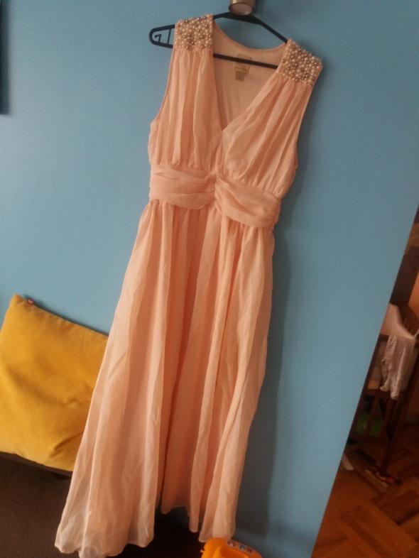 Długa sukienka perły