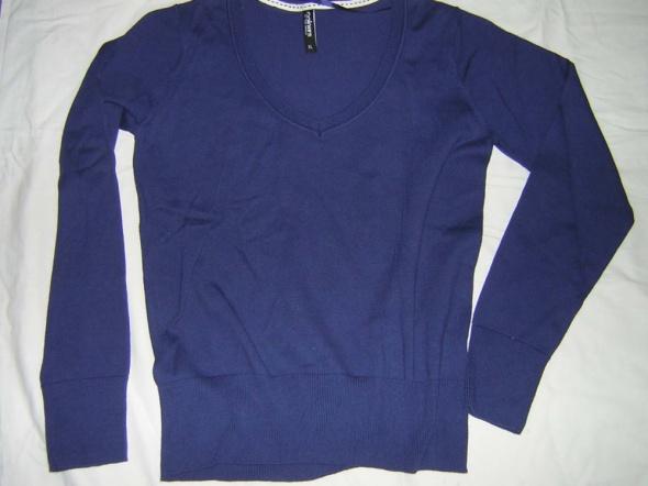 Bluzka sweterkowa granatowa...