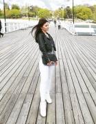 Białe spodnie i buty...