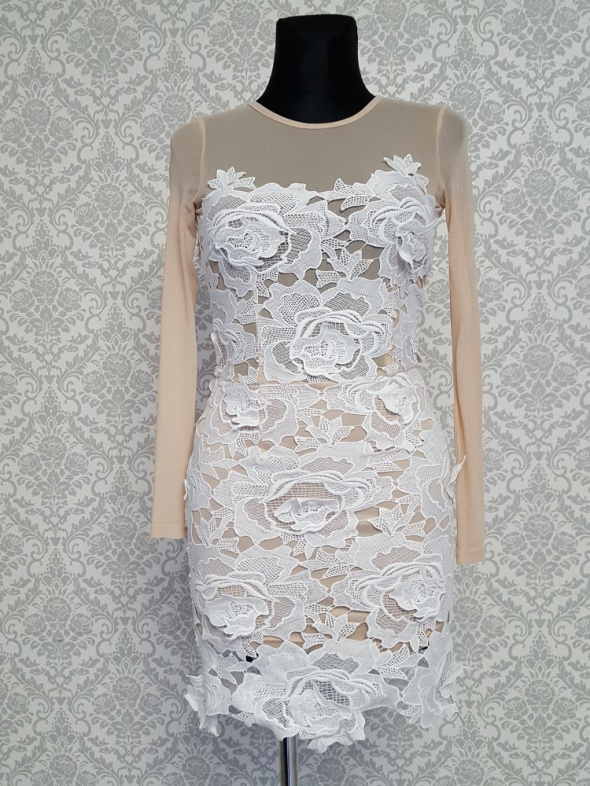 beżowa sukienka z białą koronką Missguided