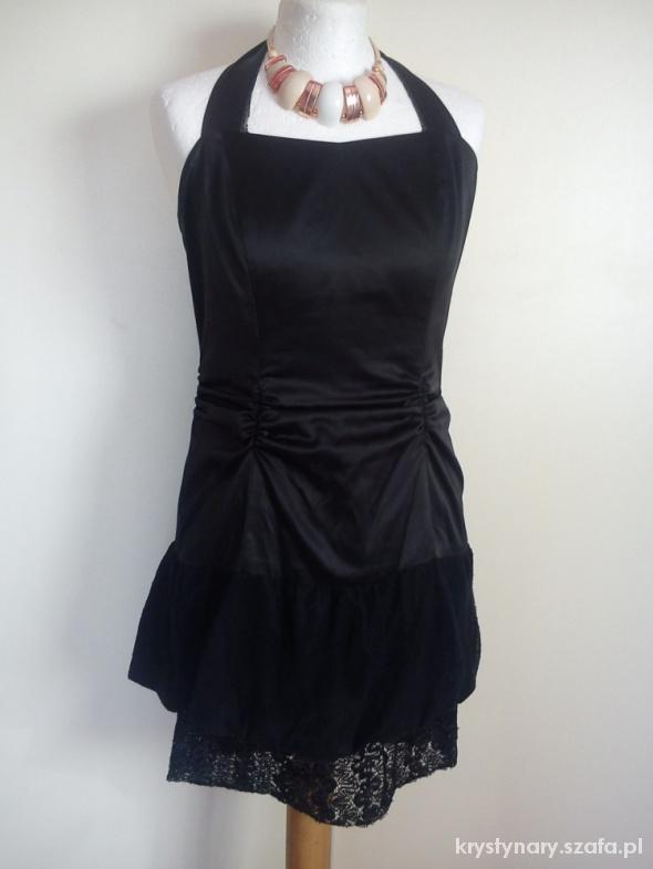 Czarna sukienka TROLL...