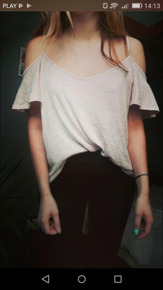 Bluzka odkryte ramiona...