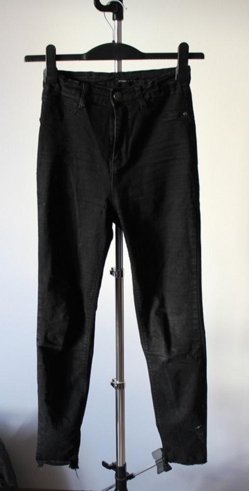 Spodnie rurki czarne z wysokim stanem...