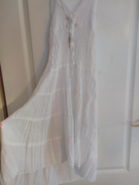 Sukienka wiazana na szyi