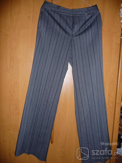 Spodnie szare z czarnymi prążkami...