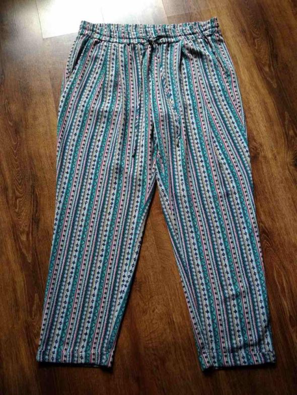 Luźne bardzo wygodne spodnie damskie w kolorowy wzór Zara XL