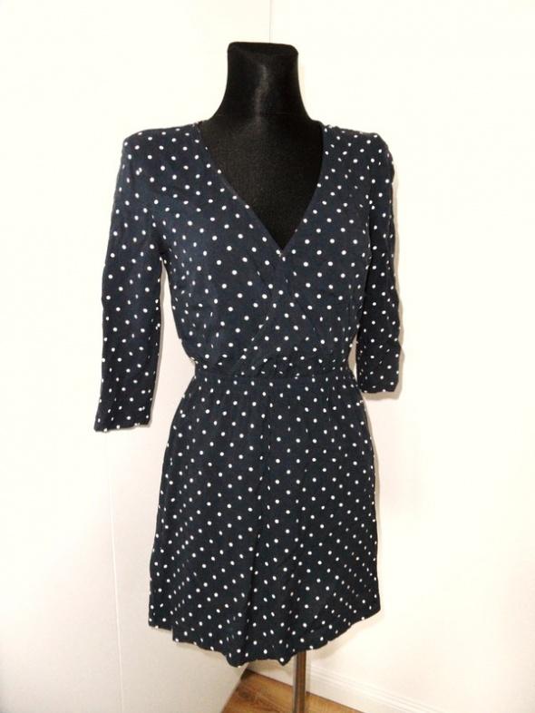 Piękna granatowa sukienka w groszki H&M